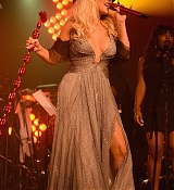 Christina Aguilera Performs at Apollo in the Hamptons - August 15