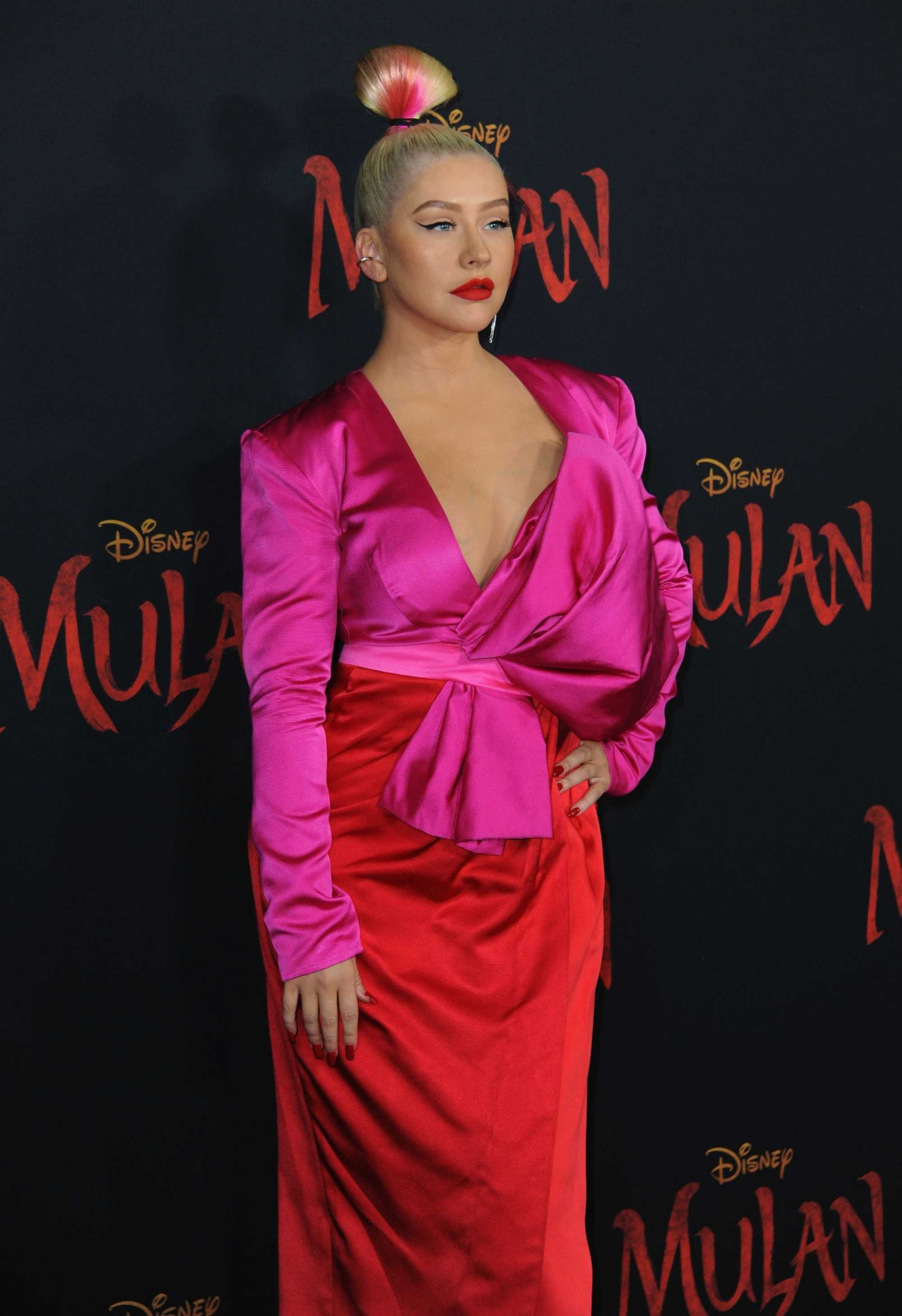 Christina_Aguilera_-_Disney_s_Mulan_Premiere_in_Hollywood2C_California__-_March_9-66.jpg