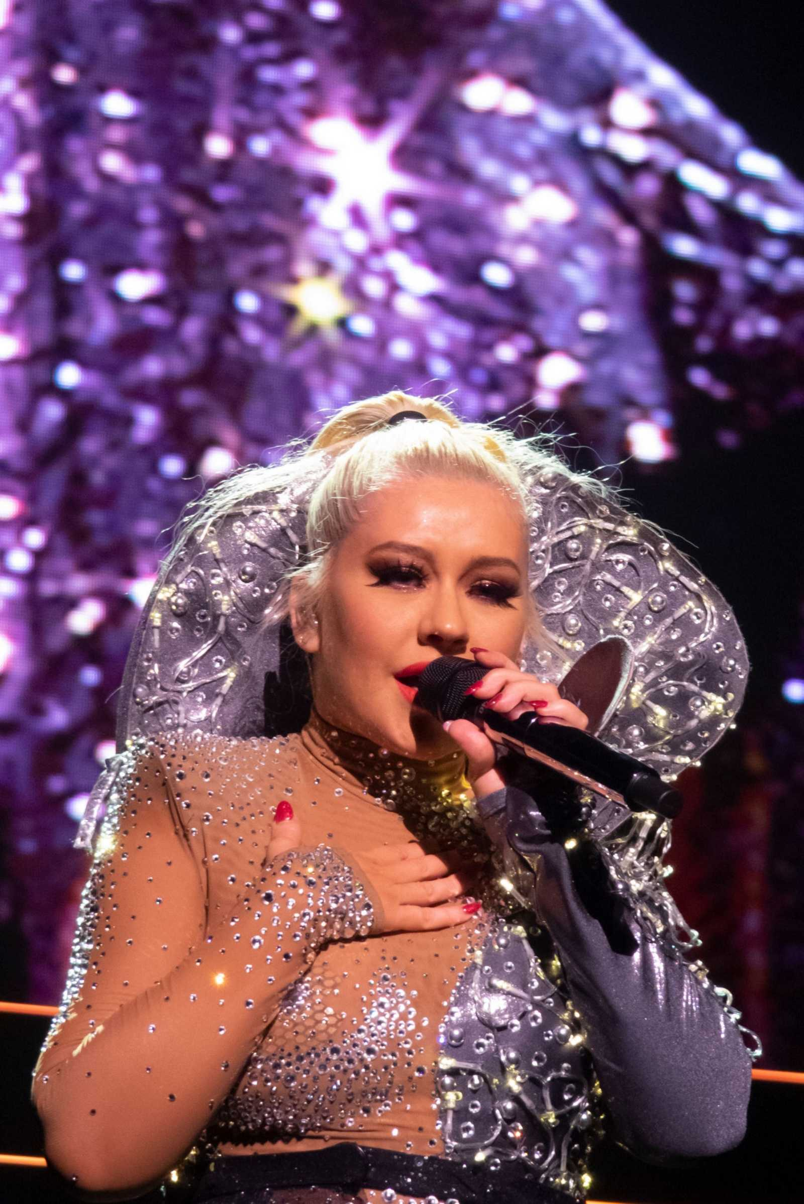 Christina_Aguilera_-_The_X_Tour_in_London2C_England_November_102C_2019-37.jpg