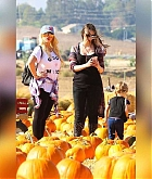 At_the_Pumpkin_Patch_with_Family_on_October_28-12.jpg