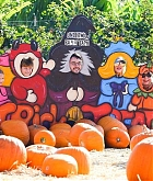 At_the_Pumpkin_Patch_with_Family_on_October_28-13.jpg