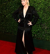 Christina_Aguilera_-_2017_American_Music_Awards_5BBackstage5D_-_November_19-01.jpg