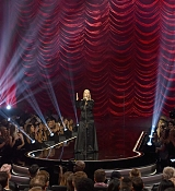 Christina_Aguilera_-_2017_American_Music_Awards_5BPerformance5D_-_November_19-12.jpg