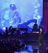 Christina_Aguilera_-_2017_American_Music_Awards_5BPerformance5D_-_November_19-33.jpg