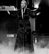 Christina_Aguilera_-_2017_American_Music_Awards_5BPerformance5D_-_November_19-35.jpg