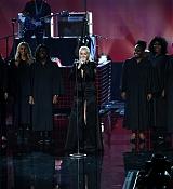 Christina_Aguilera_-_2017_American_Music_Awards_5BPerformance5D_-_November_19-36.jpg