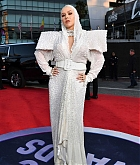 Christina_Aguilera_-_2019_American_Music_Awards_at_Microsoft_Theater_on_November_242C_2019-09.jpg