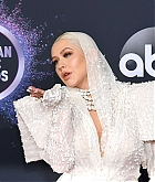 Christina_Aguilera_-_2019_American_Music_Awards_at_Microsoft_Theater_on_November_242C_2019-15.jpg