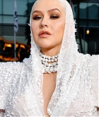 Christina_Aguilera_-_2019_American_Music_Awards_at_Microsoft_Theater_on_November_242C_2019-17.jpg