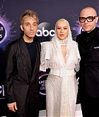 Christina_Aguilera_-_2019_American_Music_Awards_at_Microsoft_Theater_on_November_242C_2019-27.jpg