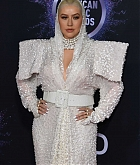 Christina_Aguilera_-_2019_American_Music_Awards_at_Microsoft_Theater_on_November_242C_2019-31.jpg