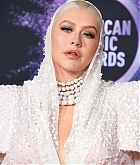 Christina_Aguilera_-_2019_American_Music_Awards_at_Microsoft_Theater_on_November_242C_2019-38.jpg
