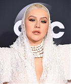Christina_Aguilera_-_2019_American_Music_Awards_at_Microsoft_Theater_on_November_242C_2019-41.jpg