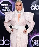 Christina_Aguilera_-_2019_American_Music_Awards_at_Microsoft_Theater_on_November_242C_2019-48.jpg