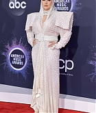 Christina_Aguilera_-_2019_American_Music_Awards_at_Microsoft_Theater_on_November_242C_2019-50.jpg