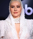 Christina_Aguilera_-_2019_American_Music_Awards_at_Microsoft_Theater_on_November_242C_2019-53.jpg