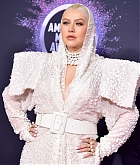 Christina_Aguilera_-_2019_American_Music_Awards_at_Microsoft_Theater_on_November_242C_2019-55.jpg