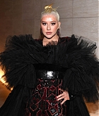 Christina_Aguilera_-_2019_amfAR_Gala_Los_Angeles_-_October_102C_2019_backstage-03.jpg