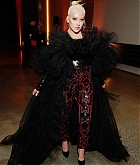 Christina_Aguilera_-_2019_amfAR_Gala_Los_Angeles_-_October_102C_2019_backstage-05.jpg