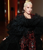 Christina_Aguilera_-_2019_amfAR_Gala_Los_Angeles_-_October_102C_2019_backstage-06.jpg