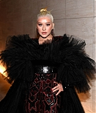 Christina_Aguilera_-_2019_amfAR_Gala_Los_Angeles_-_October_102C_2019_backstage-08.jpg