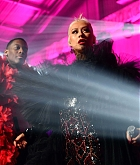 Christina_Aguilera_-_2019_amfAR_Gala_Los_Angeles_-_October_102C_2019_performace-01.jpg