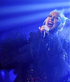 Christina_Aguilera_-_2019_amfAR_Gala_Los_Angeles_-_October_102C_2019_performace-02.jpg