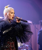 Christina_Aguilera_-_2019_amfAR_Gala_Los_Angeles_-_October_102C_2019_performace-05.jpg