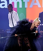 Christina_Aguilera_-_2019_amfAR_Gala_Los_Angeles_-_October_102C_2019_performace-09.jpg