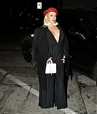 Christina_Aguilera_-_Arrives_at_Craig_s_in_West_Hollywood2C_CA_on_January_24-01.jpg