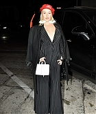Christina_Aguilera_-_Arrives_at_Craig_s_in_West_Hollywood2C_CA_on_January_24-03.jpg