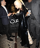 Christina_Aguilera_-_At_1_Oak_Harpers_After_Party_In_New_York_City_-_September_8-04.jpg