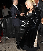 Christina_Aguilera_-_At_1_Oak_Harpers_After_Party_In_New_York_City_-_September_8-05.jpg