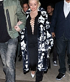 Christina_Aguilera_-_At_DJ_Khaled_Birthday_Celebration_in_Beverly_Hills_on_December_2-03.jpg