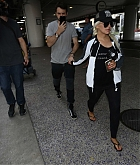 Christina_Aguilera_-_At_LAX_Airport_in_Los_Angeles_on_September_3-12.jpg