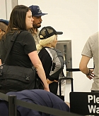 Christina_Aguilera_-_At_LAX_Airport_in_Los_Angeles_on_September_3-18.jpg