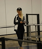 Christina_Aguilera_-_At_LAX_Airport_in_Los_Angeles_on_September_3-21.jpg
