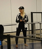Christina_Aguilera_-_At_LAX_Airport_in_Los_Angeles_on_September_3-22.jpg