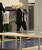 Christina_Aguilera_-_At_LAX_Airport_in_Los_Angeles_on_September_3-25.jpg