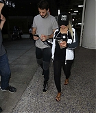 Christina_Aguilera_-_At_LAX_Airport_in_Los_Angeles_on_September_3-29.jpg