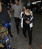 Christina_Aguilera_-_At_LAX_Airport_in_Los_Angeles_on_September_3-32.jpg