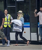 Christina_Aguilera_-_At_Paphos_Airport_in_Cyprus_on_September_7-07.jpg