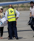 Christina_Aguilera_-_At_Paphos_Airport_in_Cyprus_on_September_7-09.jpg