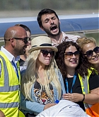 Christina_Aguilera_-_At_Paphos_Airport_in_Cyprus_on_September_7-10.jpg
