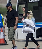 Christina_Aguilera_-_At_Paphos_Airport_in_Cyprus_on_September_7-13.jpg