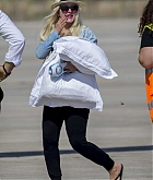 Christina_Aguilera_-_At_Paphos_Airport_in_Cyprus_on_September_7-16.jpg