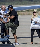 Christina_Aguilera_-_At_Paphos_Airport_in_Cyprus_on_September_7-19.jpg