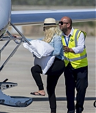 Christina_Aguilera_-_At_Paphos_Airport_in_Cyprus_on_September_7-20.jpg