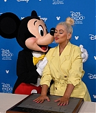 Christina_Aguilera_-_D23_Disney_2B_event_at_Anaheim_Convention_Center_on_August_232C_2019_in_Anaheim2C_CA-04.jpg