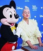 Christina_Aguilera_-_D23_Disney_2B_event_at_Anaheim_Convention_Center_on_August_232C_2019_in_Anaheim2C_CA-20.jpg